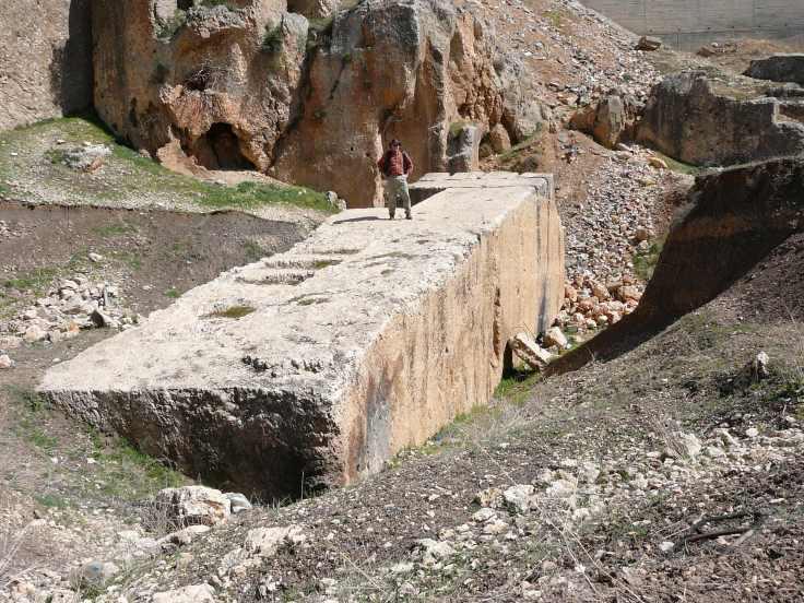 Baalbek-_largest_stone