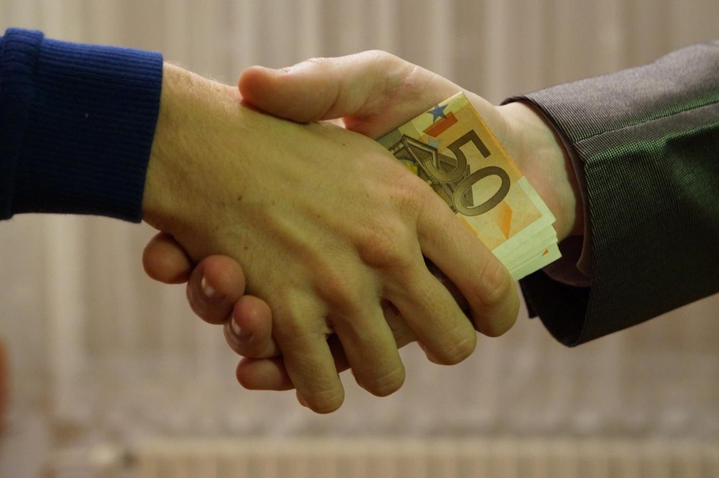 euros-poignee-de-main